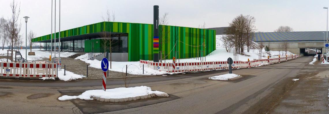 Dreifachturnhalle im Zeppelin-Sportpark ohne Zebrastreifen
